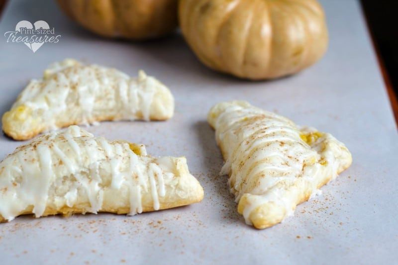 Super Easy Pumpkin Turnovers » Pint-sized Treasures