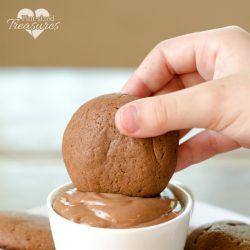 easy nutella cookie dip and cookies