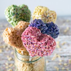 easy rice krispie heart pops