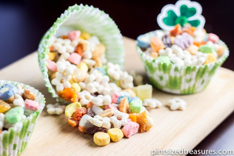 Easy Rainbow Trail Mix Recipe