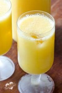 sparkling mango citrus drinke