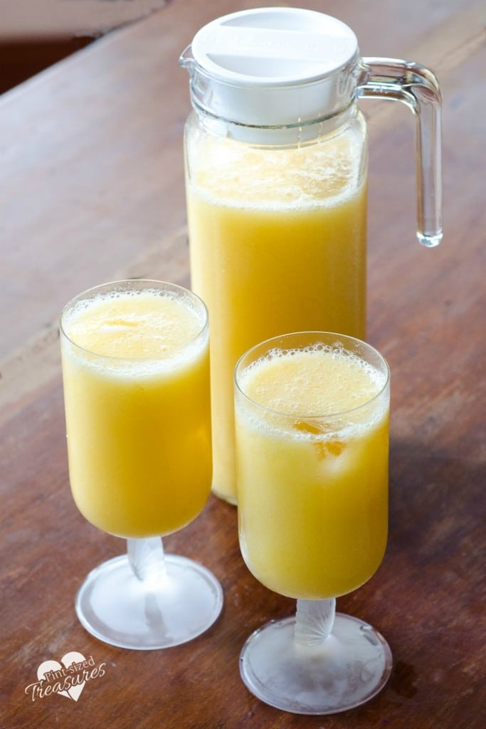 sparkling mango orange drink
