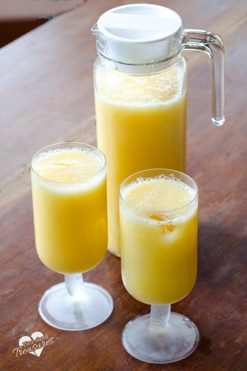 sparkling citris mango non-alcoholic cocktail