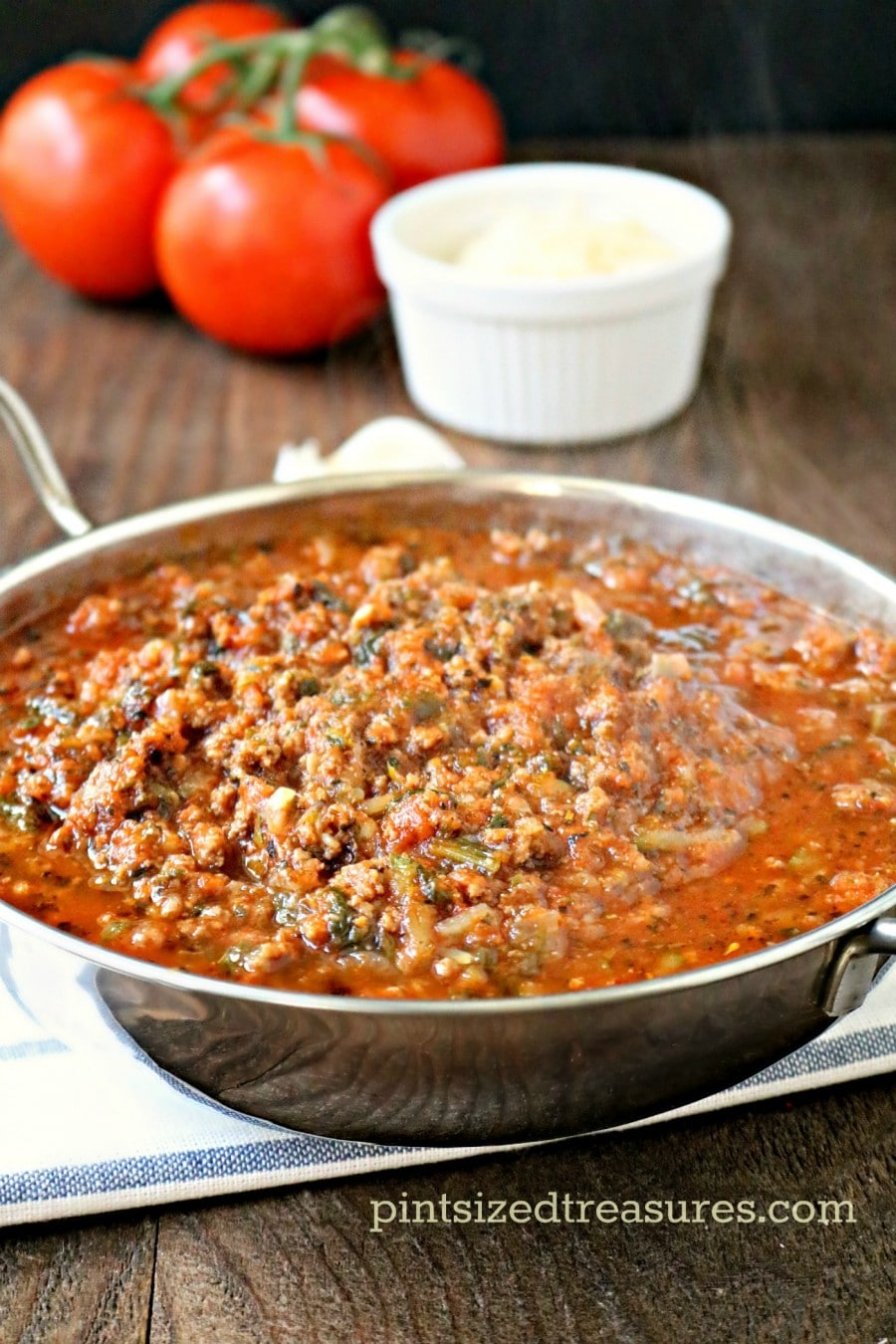 Easy Italian Bolognese Sauce · Pint-sized Treasures