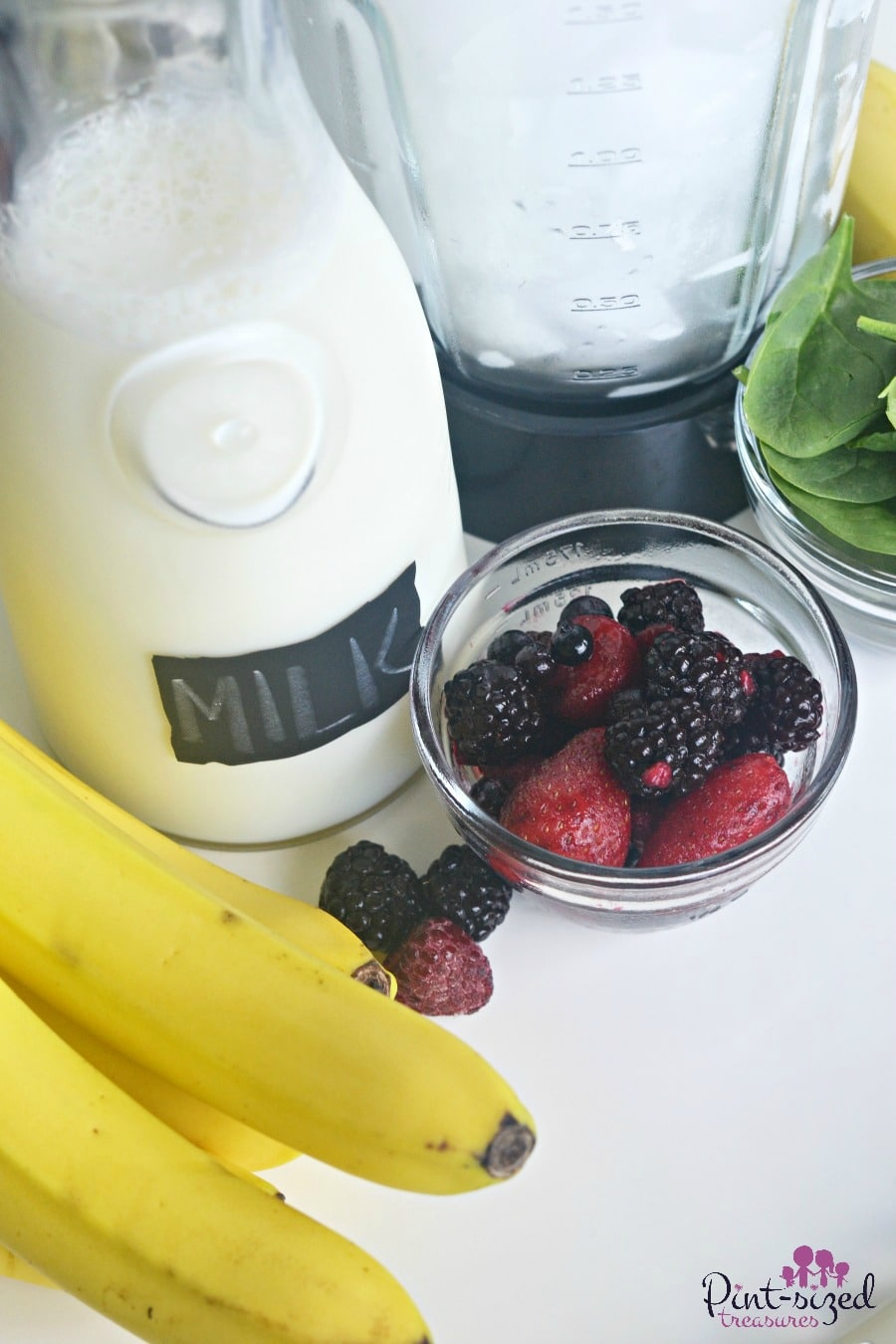 banana berry spinach smoothie