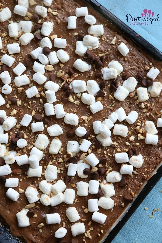 Ooooh! My favorite way to eat s'mores -- s'mores cracker candy!