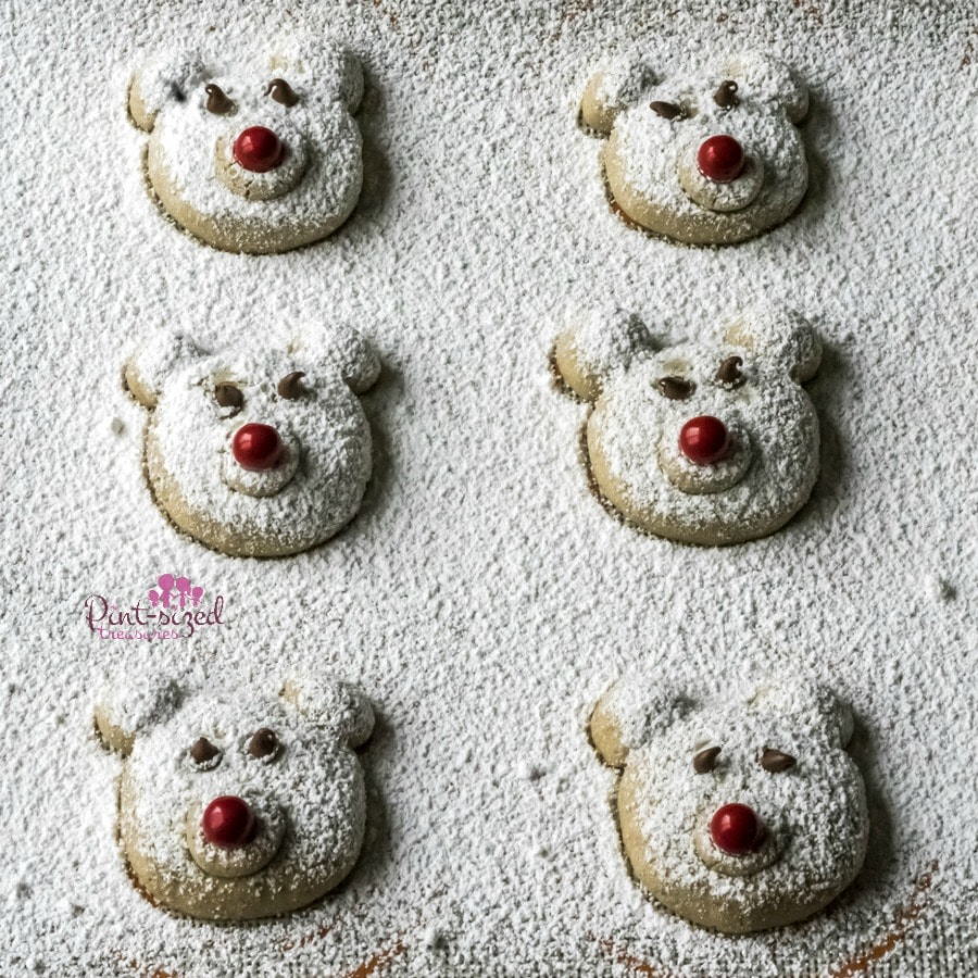 easy polar bear cookies dusted in powdered sugar