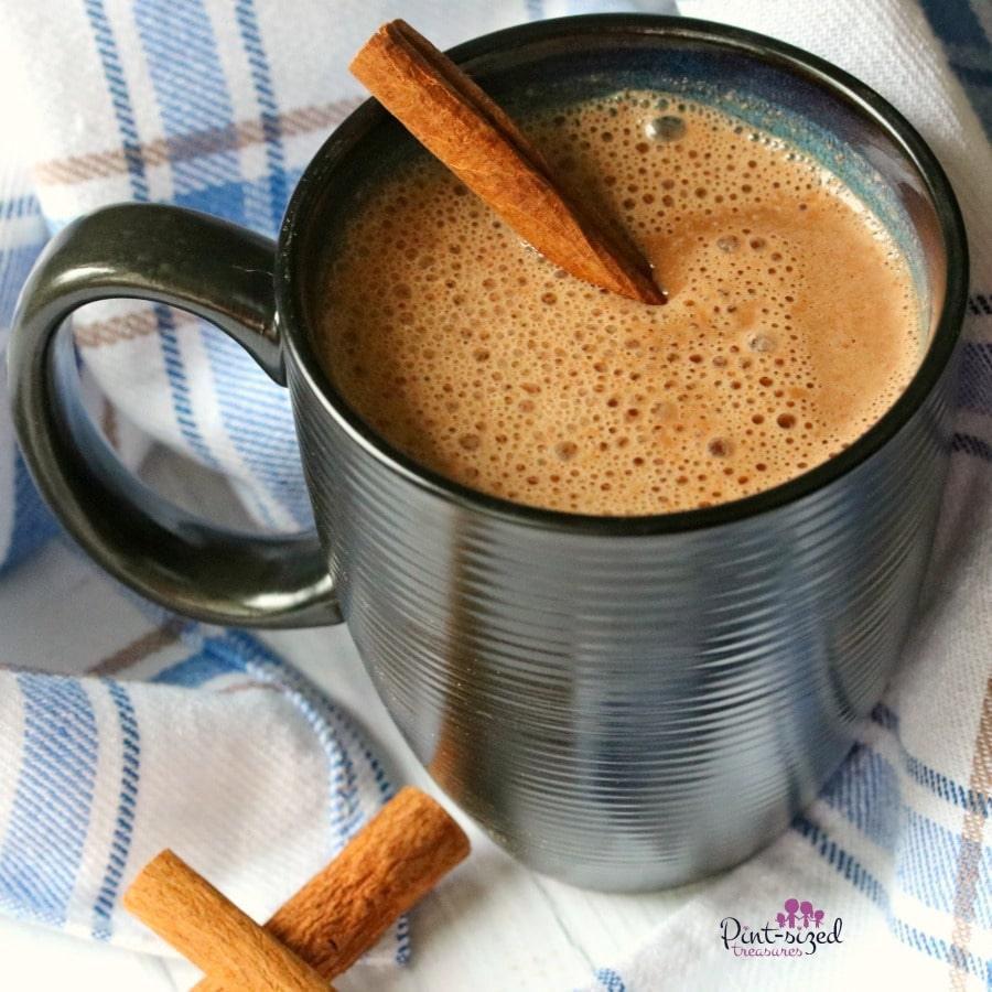 Minty coconut hot chocolate is the ONYL recipe that clean-eating moms need to enjoy a dairy-free, dreamy cup of hot chocolate!