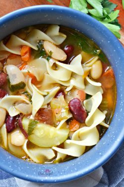 Hearty, Vegetable Minestrone Soup