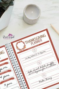 A printable Thanksgiving planner that every needs to stay sane and organized at Thanksgiving! #Thanksgivingplanner #Printableplanner #printableholidayplanner #freeplanner #printableThanksgivingplanner #Thanksgivingdayplans