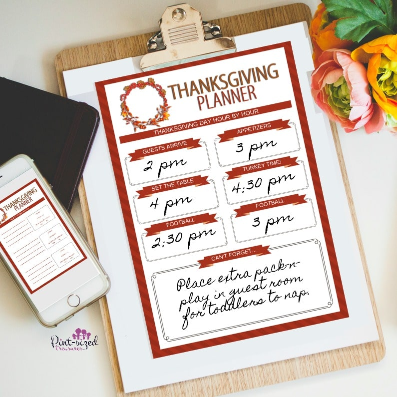The ONLY Thanksgiving planner busy moms need --- and it's FREE!