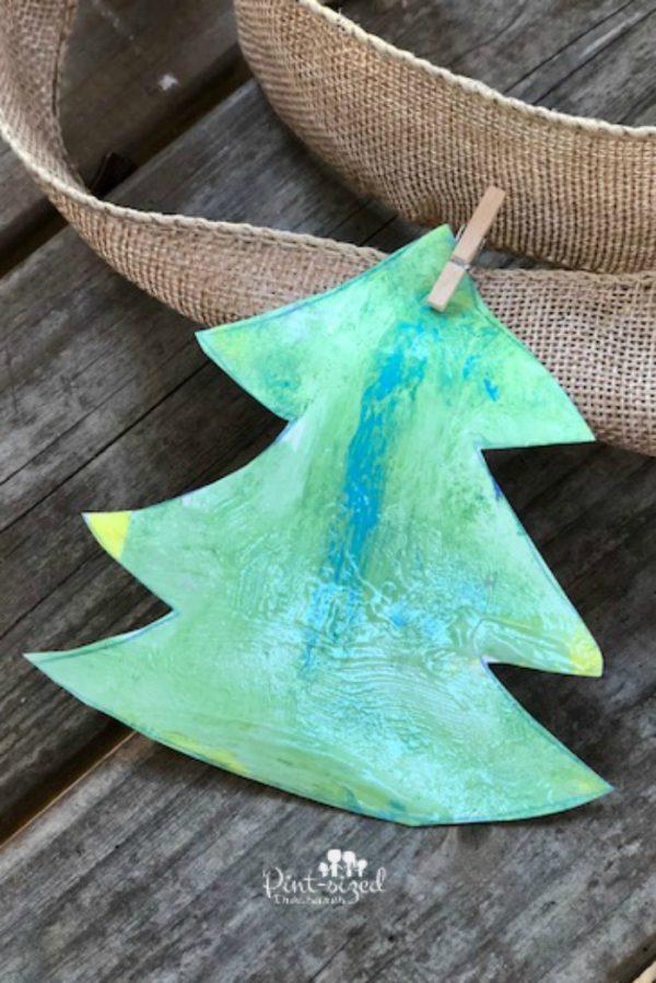 Christmas tree garland craft that kids can make!