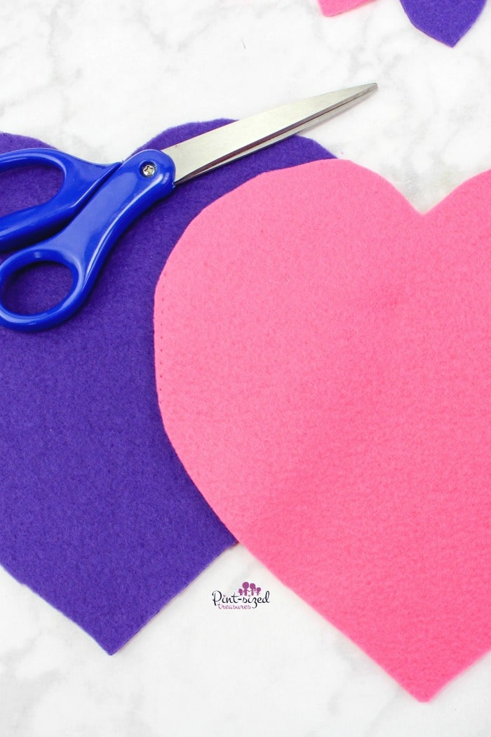 diy felt heart tic tac toe tutorial