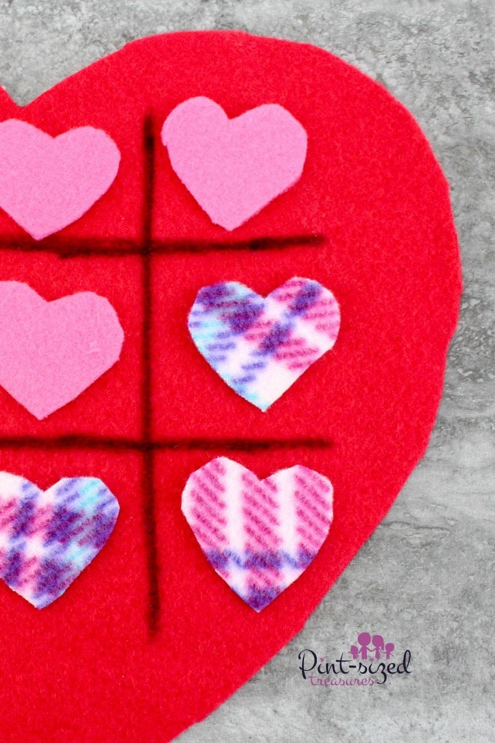 tic tac toe felt heart game