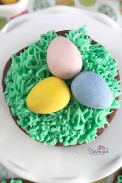 These are the EASIEST Easter egg cookies you'll ever bake! we included some crazy simple hacks that helps you create a colorful, yummy, Easter cookie that's no-fuss! Enjoy! #Easter #Eastereggs #eastercookies #eastereggcookies #easycookiesrecipe #eastercookierecipe #recipeforeasycookies #easyspringcookies #eastertreats #easyEasterideas