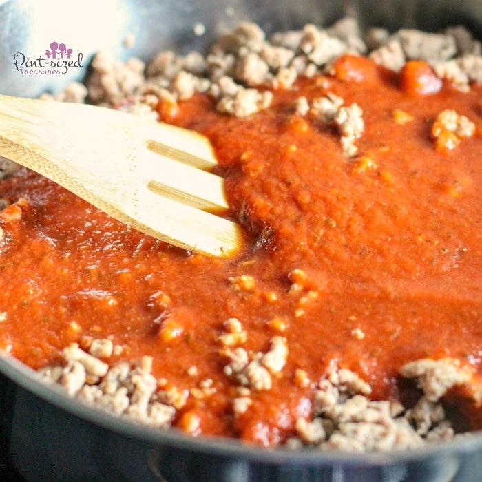 Easy keto lasagna sauce