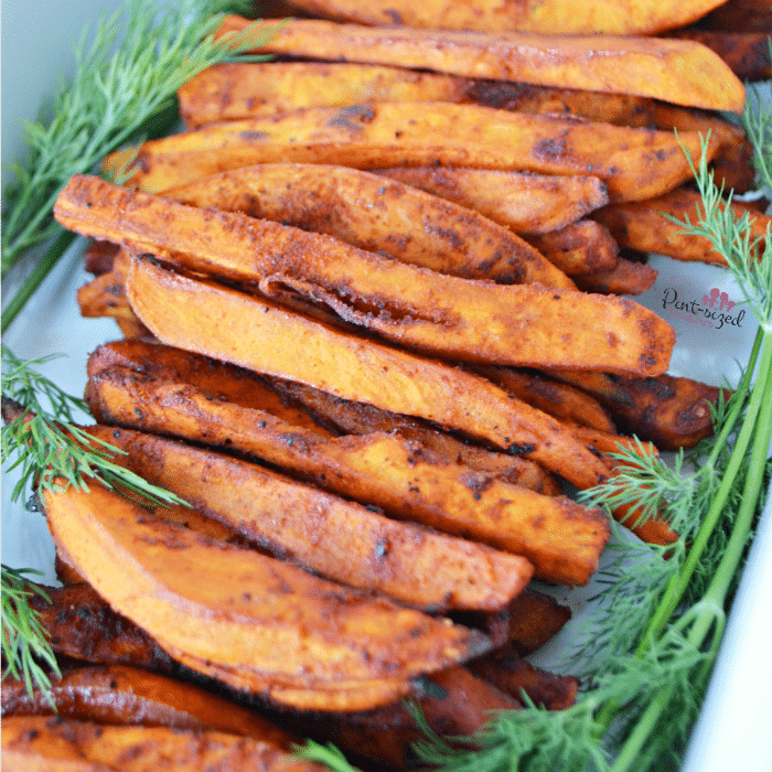 Spicy baked sweet potato fries that are simpleand taste amazing! Special blend of spices make these irresistable! #Spicybakedpotatoes #sweetpotatoes #sweetpotatofries #bakedpotatoes #spicyfood