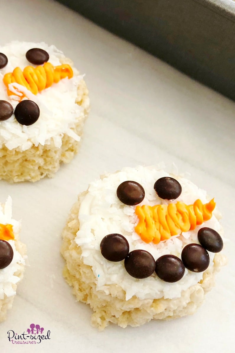Easy rice krispy treat snowmen