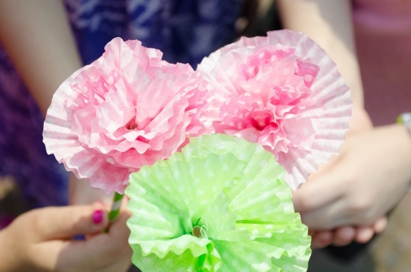 paper flowers for an indoor activity for kids