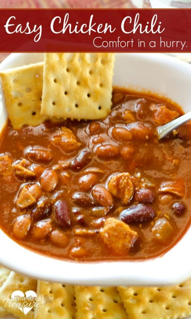 chicken chili with crackers