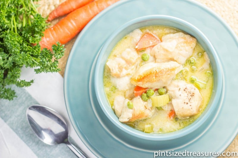 bowl of slow cooker chicken and dumplings
