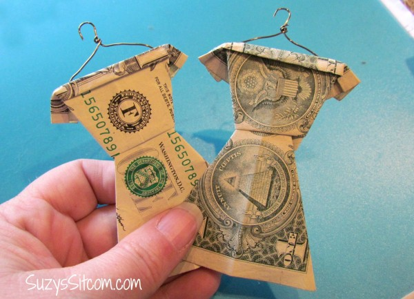 making cash into origami as a gift