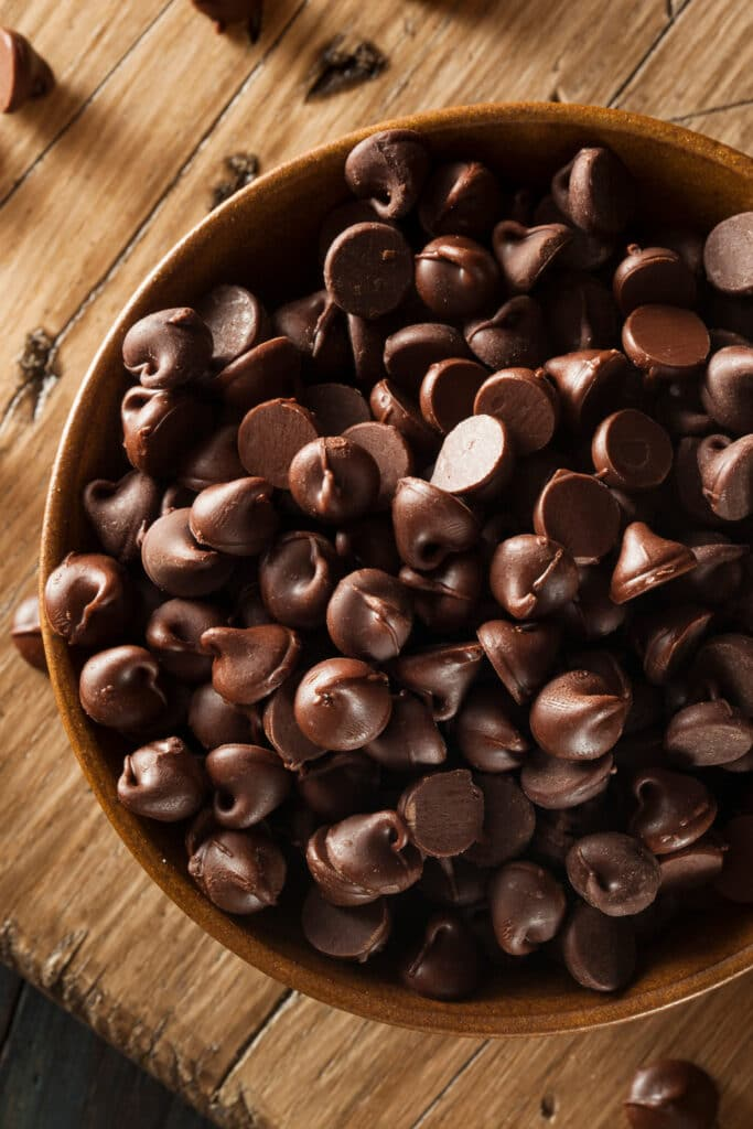 chocolate chips for granola bars