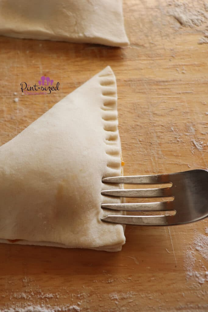 putting indentations in the apple turnovers