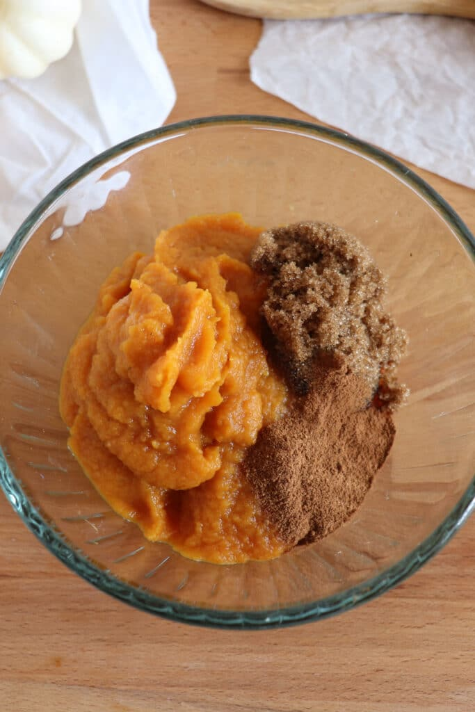 ingredients for pumpkin pie turnovers